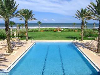 Cinnamon Beach 965, Penthouse, Corner, 6th Floor, Elevator, new HDTV, 2 pools, Palm Coast