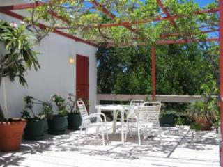 Greengard Villa - Ideal for Couples and Families, Beautiful Pool and Beach, Rendezvous Bay