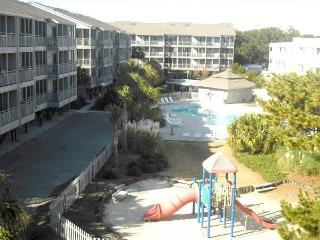 Wonderful 3 Bedroom Condo at Pelican's Landing on Shore Drive, Myrtle Beach
