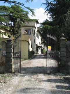 Residenza Strozzi entrance