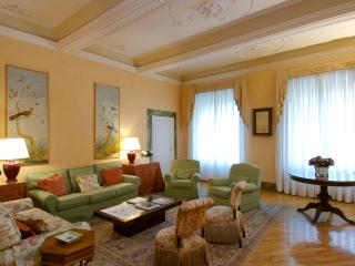 Apartment Accommodation Florence - Piazza Antinori - Coppelia