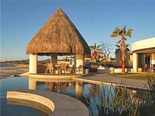Villa Serena - 5BR/5.5, sleeps 11, beachfront, Cabo San Lucas