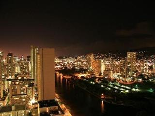 Island Colony 808-Cozy Studio in the Heart of Waikiki!, Honolulu