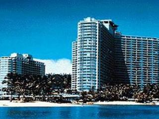 Ilikai 703-City View Condo that Sleeps 4!, Honolulu