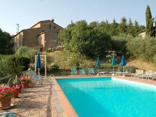 33 - Family Villa for 8 with Pool by village