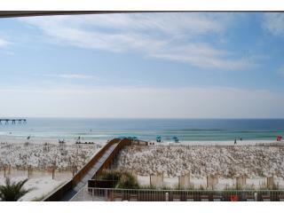 """Against The Wind"" Fabulous Oceanfront condo, Navarre"