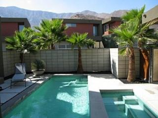 Paradise Views Townhome, Palm Springs