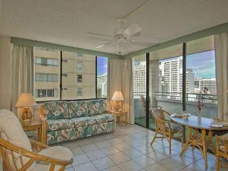AMAZING Waikiki Skytower Condo - Close Walk to Everything! -, Honolulu