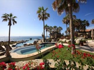 Oceanfront Villa in Punta Ballena 4 Bedroom/4.5 Bath Private Pool/Jacuzzi, Cabo San Lucas