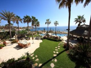Oceanfront Villa in Punta Ballena 4 Bedroom/4.5 Bath Private Pool/Jacuzzi