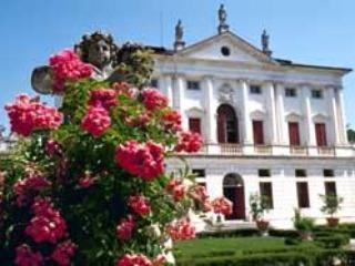 4 bedroom Villa in Levada, Veneto, Italy : ref 1719102, Badoere