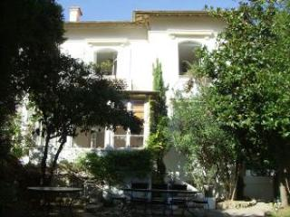 Superb villa in Cannes just minutes from the Croisette and the Palais des