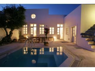 Luxury villa in Imerovigli