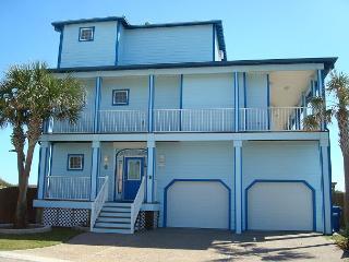 Beachfront! Beachfront!! Beautiful home on Sandpoint Circle in Port Aransas!