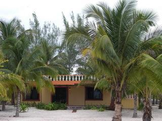 Casa del Sol-Superb Comfort on Celestun Beach, Celestún