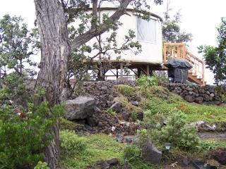 side view of 1 bedroom yurt