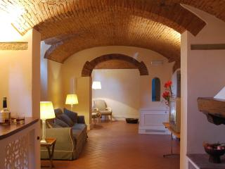 Charming Apartment in a Florence Palazzo on the Arno - Palazzo dell'Arno - Aquam