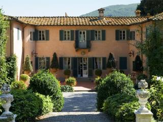 Villa in Lucca, Lucca Area, Tuscany, Italy