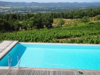 Holiday rental Villas 20mn au sud est d'Aix-en-Provence (Bouches-du-Rhone), 300 m2, 8 000 €