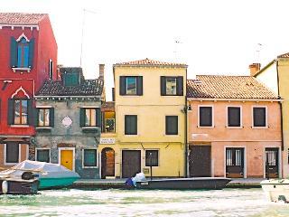 Casa Tre Archi, overlooking Cannaregio Canal, Venecia