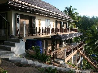 The Penthouse occupies the entire top floor of Koh Tao Star Villa giving the best views available.