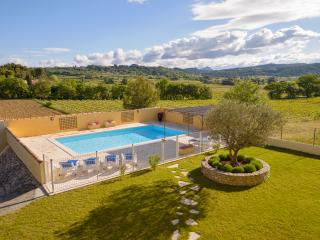 Le Clos des Pins, Villedieu, Vaison - Beautiful 4 Bedroom 4 bathroom Villa