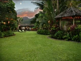 Luxury Beachfront Cottage on Hanalei Bay!