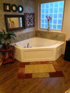 Soak Jutted Tub