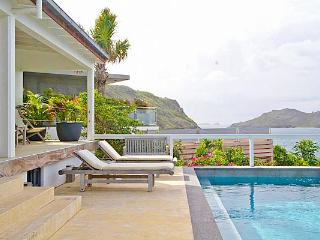 All day sun & constant breezes in this beautiful St. Barts villa WV ABT, Anse des Cayes