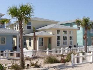5 bedroom 4 bath home in prestigious Village Walk!, Port Aransas