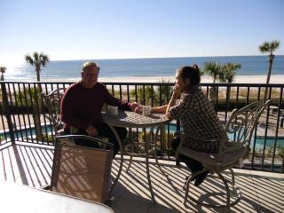 3 br beautifully furnished condo w/Slide & /Lazy River, Orange Beach