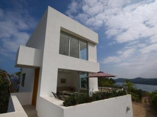 Modern 2 Story Loft with 360 Degree Views of Ocean & Jungle + Infinity Pool!, Sayulita