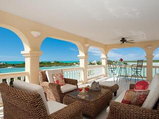 Newly Renovated picturesque waterfront villa in Turks and Caicos, Providenciales