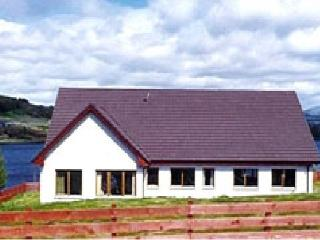Heatherfield Lodge - luxury home, fantatstic views, Portree
