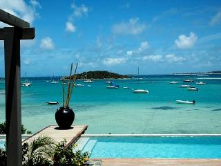 PINEL...fabulous tropical beachfront getaway...perfect for couples!, Cul de Sac