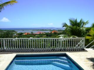 PLAGE d'ELAN...3 BR overlooking Orient Bay with spectacular sunrise!