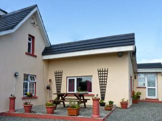 ROSEVILLE, pet friendly, with a garden in Kilmore Quay, County Wexford, Ref 4683