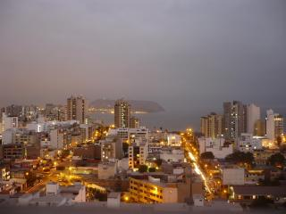 Luxury 3 bdrm apt, spectacular City & Ocean views, Lima