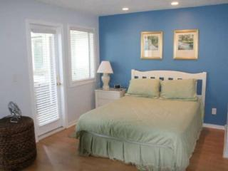 Awesome Vacation Condo ....Just steps to the beach!!, Myrtle Beach