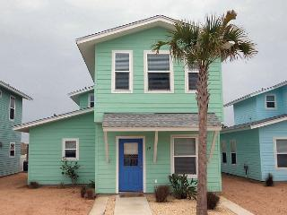 Super cute 4 bedroom 3.5 bath home in fabulous Royal Palms!, Port Aransas