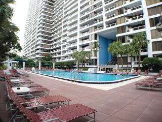 Elegant 2BR Waterfront Condo in Miami - Great Location in the DoubleTree on Biscayne Bay, Just 10 Minutes to South Beach!