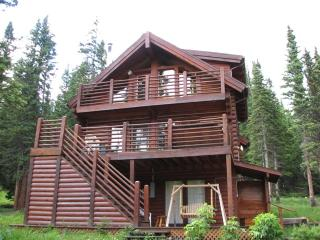 4 bedroom log vacation home in Breckenridge, CO