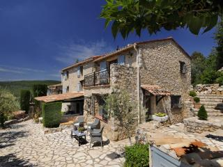 Unique Holiday, 1 Bedroom 19th Century Stone Farmhouse Villa, Mas Du Bois Doré