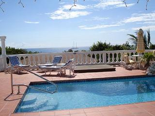 Francesca - Ideal for Couples and Families, Beautiful Pool and Beach, Simpson Bay