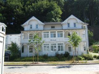 Vacation Apartment in Binz Rügen - 581 sqft, nice, clean (# 281), Ostseebad Binz