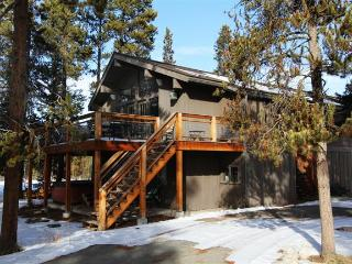 Sprawling 6BR Fraser Cabin w/Wifi, Fireplace & Private Hot Tub! - Breathtaking