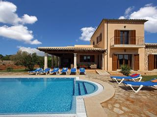 4 bedroom Villa in Calonge, Cala Dor, Mallorca : ref 4407