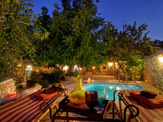 Eleni's Stately Home, picturesque location!, Rethymnon