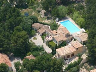 Luxury 7 Bedroom Vacation Home in Aix en Provence, Aix-en-Provence