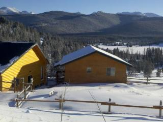 "The 'Pintler View Hideaway' 1BR Apartment Near Georgetown Lake and Discovery Ski Area - ""Ski & Stay"" Specials Available, Philipsburg"